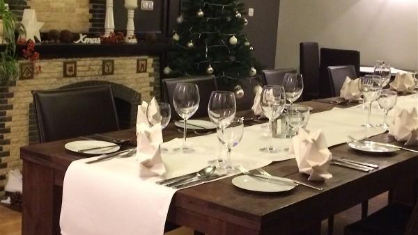 Das Essperiment | Bistro & Restaurant | Table with Fireplace